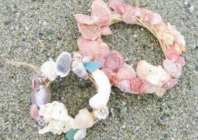 キラキラ貝がらリース